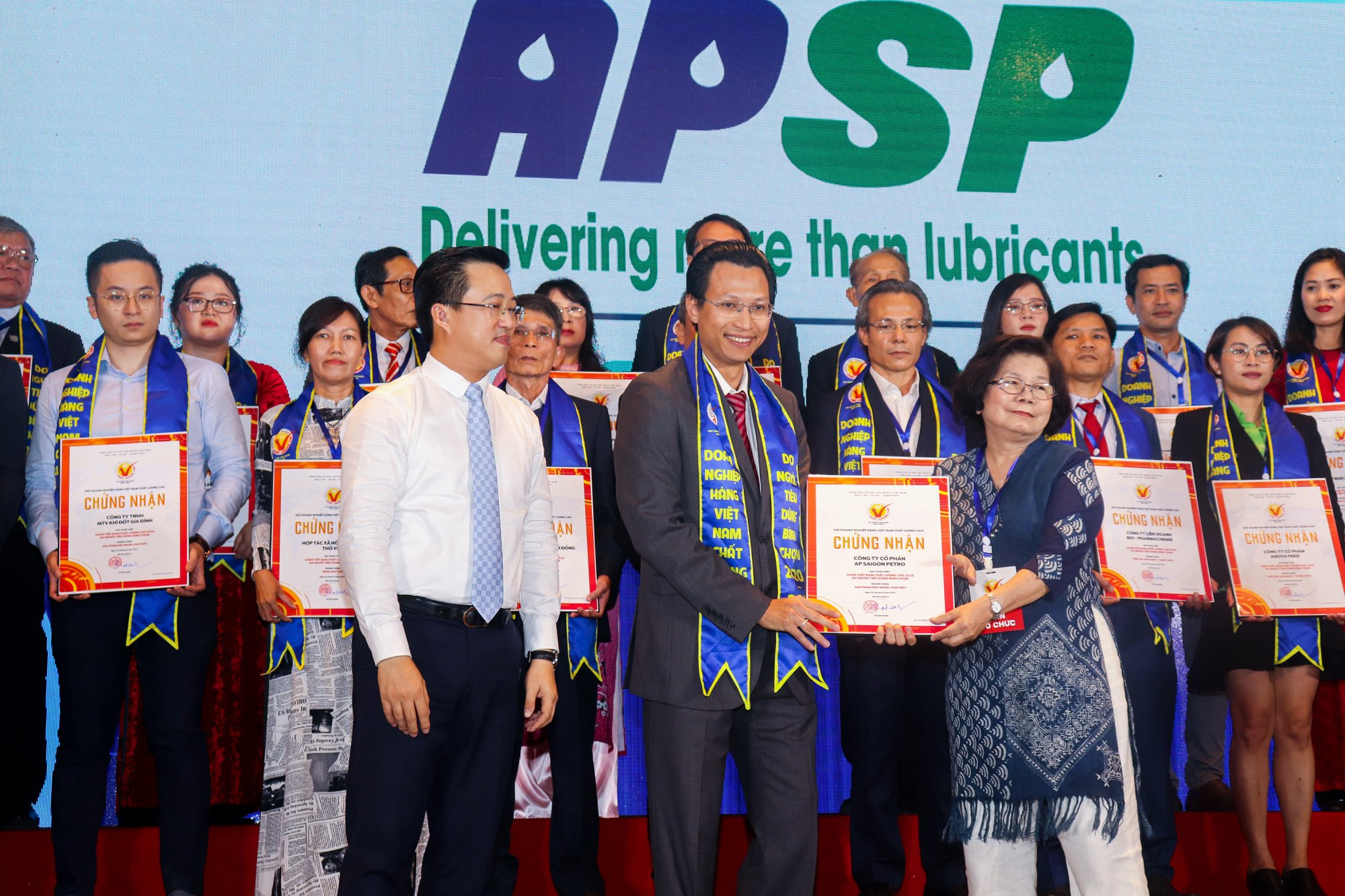 """AP SAIGON PETRO WAS HONORED TO ACHIEVE """"2020 VIETNAMESE HIGH-QUALITY PRODUCT"""" TITLE"""
